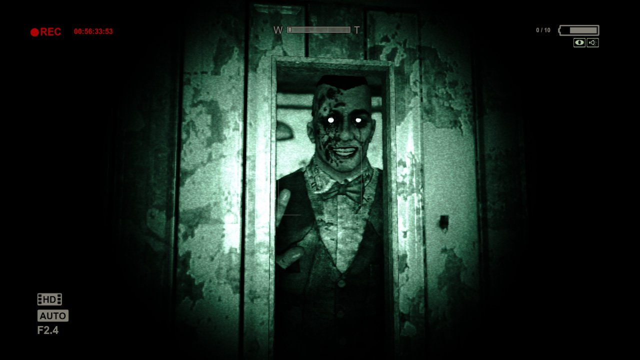 outlast scary halloween game